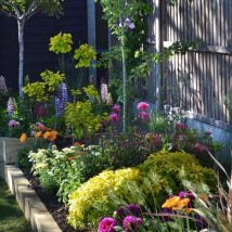 DIY Flower Garden Ideas 21 214x214 - 35+ Easy DIY Flower Garden Ideas