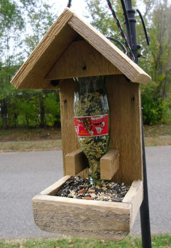 25+ DIY Decorative Bird House