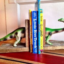 Diy Bookend Ideas 10 214x214 - 30+ Decorative DIY Bookends To Spruce Up Your Shelves
