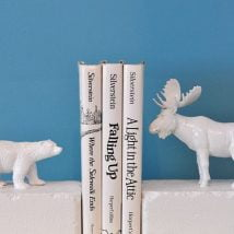 Diy Bookend Ideas 11 214x214 - 30+ Decorative DIY Bookends To Spruce Up Your Shelves