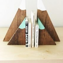 Diy Bookend Ideas 13 214x214 - 30+ Decorative DIY Bookends To Spruce Up Your Shelves