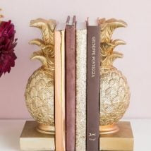 Diy Bookend Ideas 14 214x214 - 30+ Decorative DIY Bookends To Spruce Up Your Shelves