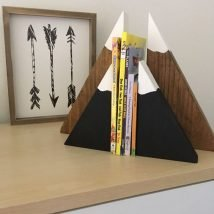 Diy Bookend Ideas 15 214x214 - 30+ Decorative DIY Bookends To Spruce Up Your Shelves