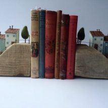 Diy Bookend Ideas 22 214x214 - 30+ Decorative DIY Bookends To Spruce Up Your Shelves