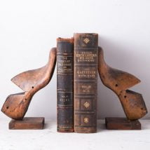 Diy Bookend Ideas 23 214x214 - 30+ Decorative DIY Bookends To Spruce Up Your Shelves