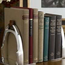 Diy Bookend Ideas 26 214x214 - 30+ Decorative DIY Bookends To Spruce Up Your Shelves