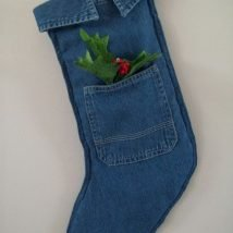 Diy Christmas Stockings 12 214x214 - 33+ DIY Christmas Stockings Ideas For Everyone In The Family