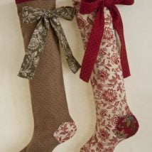 Diy Christmas Stockings 14 214x214 - 33+ DIY Christmas Stockings Ideas For Everyone In The Family