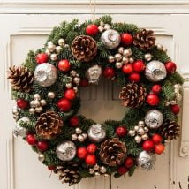 Diy Christmas Wraths 15 214x214 - 35+ Gorgeous DIY Christmas Wreath Ideas to Decorate Your Holiday Season