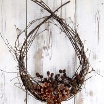 Diy Christmas Wraths 16 214x214 - 35+ Gorgeous DIY Christmas Wreath Ideas to Decorate Your Holiday Season