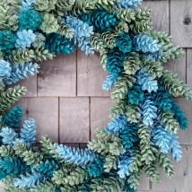 Diy Christmas Wraths 22 214x214 - 35+ Gorgeous DIY Christmas Wreath Ideas to Decorate Your Holiday Season