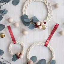 Diy Christmas Wraths 26 214x214 - 35+ Gorgeous DIY Christmas Wreath Ideas to Decorate Your Holiday Season