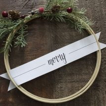 Diy Christmas Wraths 3 214x214 - 35+ Gorgeous DIY Christmas Wreath Ideas to Decorate Your Holiday Season