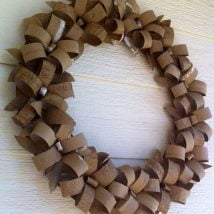 Diy Christmas Wraths 5 214x214 - 35+ Gorgeous DIY Christmas Wreath Ideas to Decorate Your Holiday Season