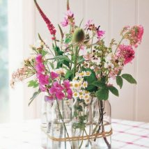 diy flower vases 22 214x214 - 30+ Chic DIY Vases As Pretty As The Flowers Themselves