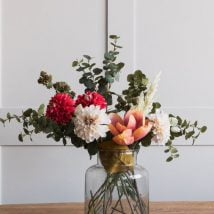 diy flower vases 25 214x214 - 30+ Chic DIY Vases As Pretty As The Flowers Themselves