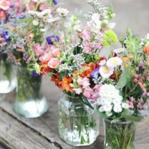 diy flower vases 26 214x214 - 30+ Chic DIY Vases As Pretty As The Flowers Themselves