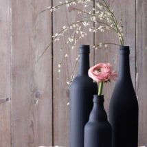 diy flower vases 27 214x214 - 30+ Chic DIY Vases As Pretty As The Flowers Themselves