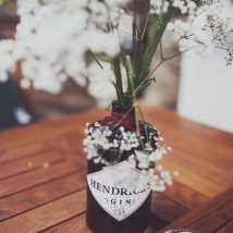 diy flower vases 31 214x214 - 30+ Chic DIY Vases As Pretty As The Flowers Themselves